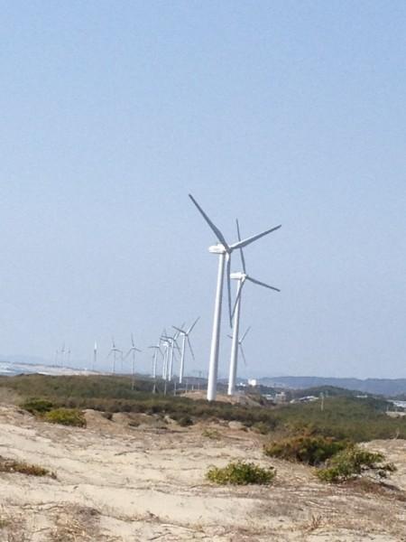 砂丘に出ると風力発電